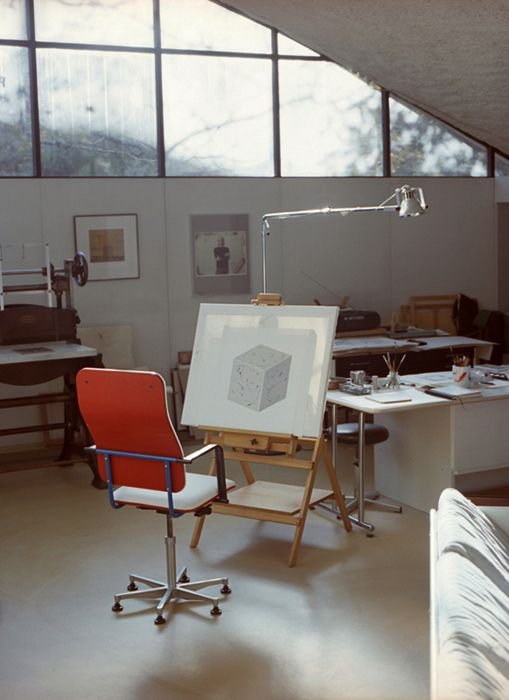 I wish I had  studio like this    Yrjö Kukkapuro by Osma Harvilahti