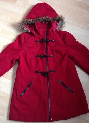 17 best ideas about rote winterjacke on pinterest | mantel rot, Hause ideen