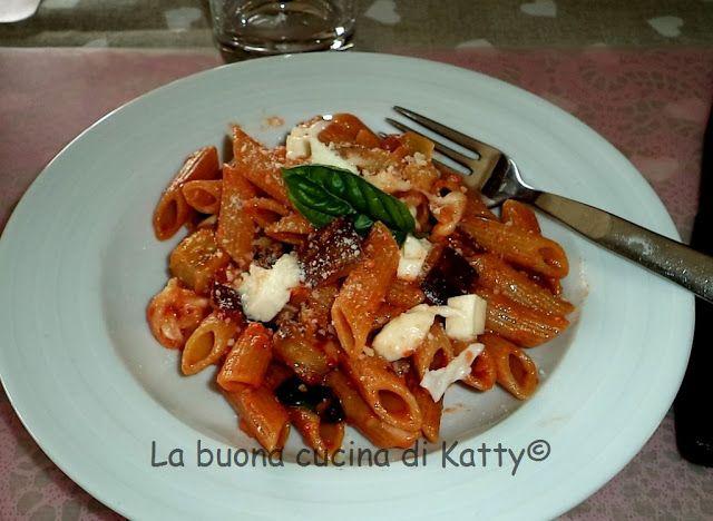 La buona cucina di Katty: Penne alle melanzane e mozzarella - Penne with eggplant and mozzarella