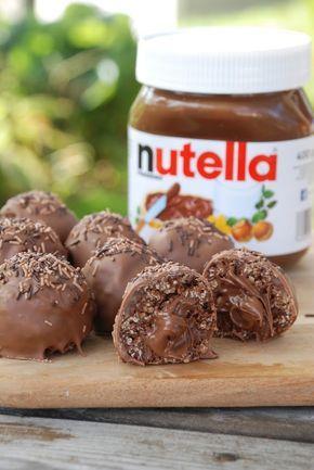Nä nu får hon lägga av med dessa chokladdoppade chokladbollar i alla möjliga varianter, kanske ni tänker. Men ICKET! Maj. Gadd. Så. Gott. Bl...