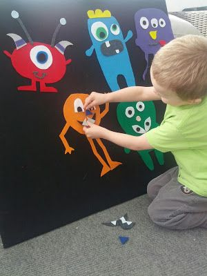 Felt board or felt Mix and Match Monsters! Love making felt boards and who doesn't love monsters!