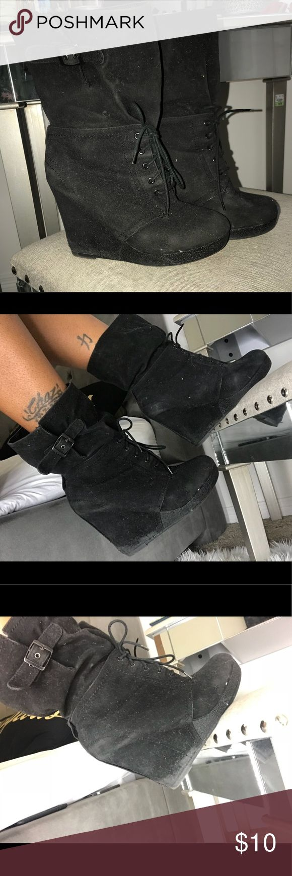 ❌$10 SALE❌ tonight only! Black Suede Wedge Heels Just need a lent brush. Right Boot inside Heel it bends just a little but if you slip them on in my case.... but when I use my finger I'm fine. Bakers Shoes Lace Up Boots