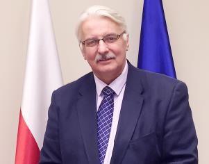 Poland ready to offer David Cameron EU welfare deal in exchange for Nato bases