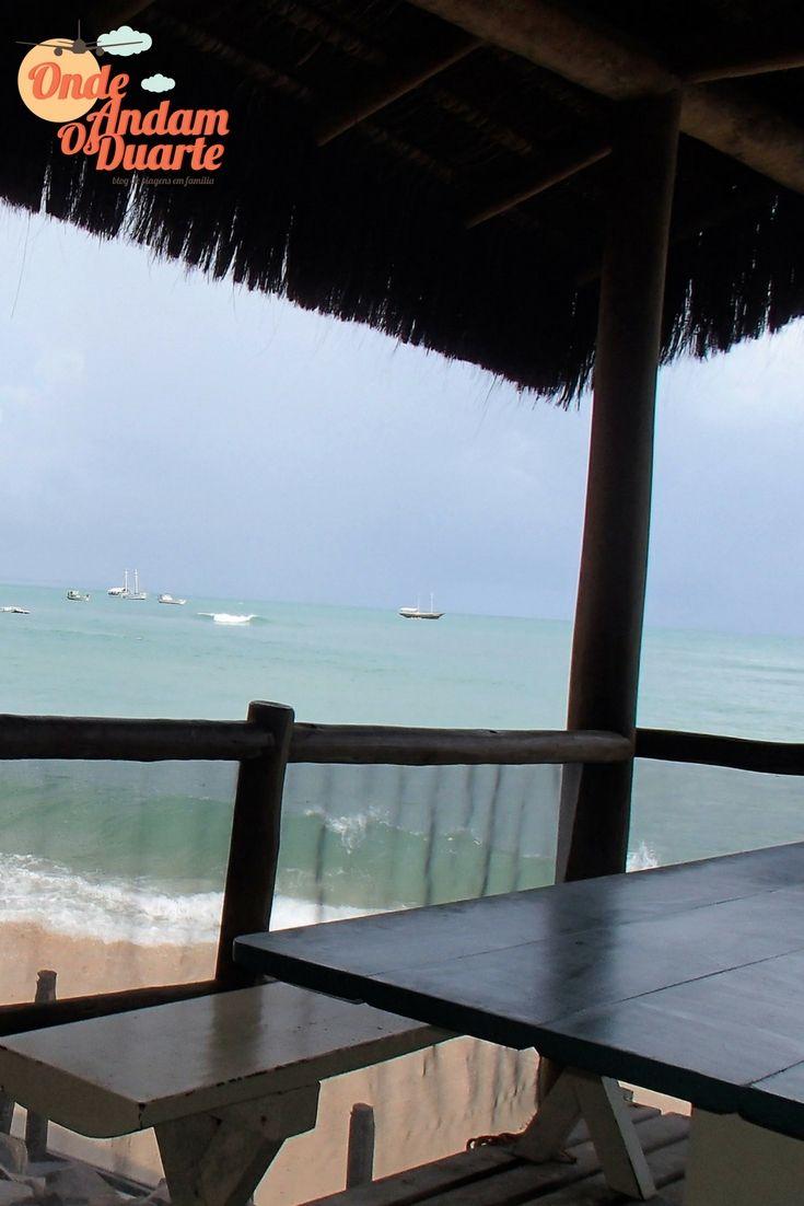 Praia de Pipa no Brasil. A melhor vista para o pequeno-almoço, com os pés quase a tocar na água quente deste lugar maravilhoso