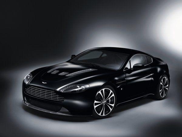 Aston Martin Carbon Black DBS