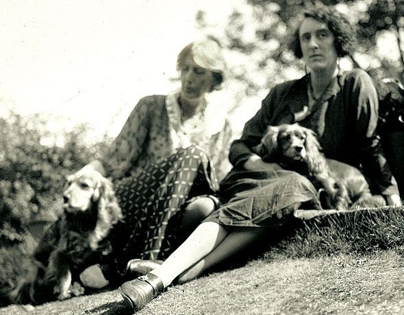 Virginia Woolf and Vita Sackville-West at Monk's House, Sussex (1933)