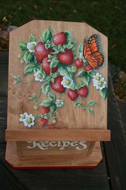 Do you love strawberries? These ones, painted by Sherryl Brundige, look good enough to eat!