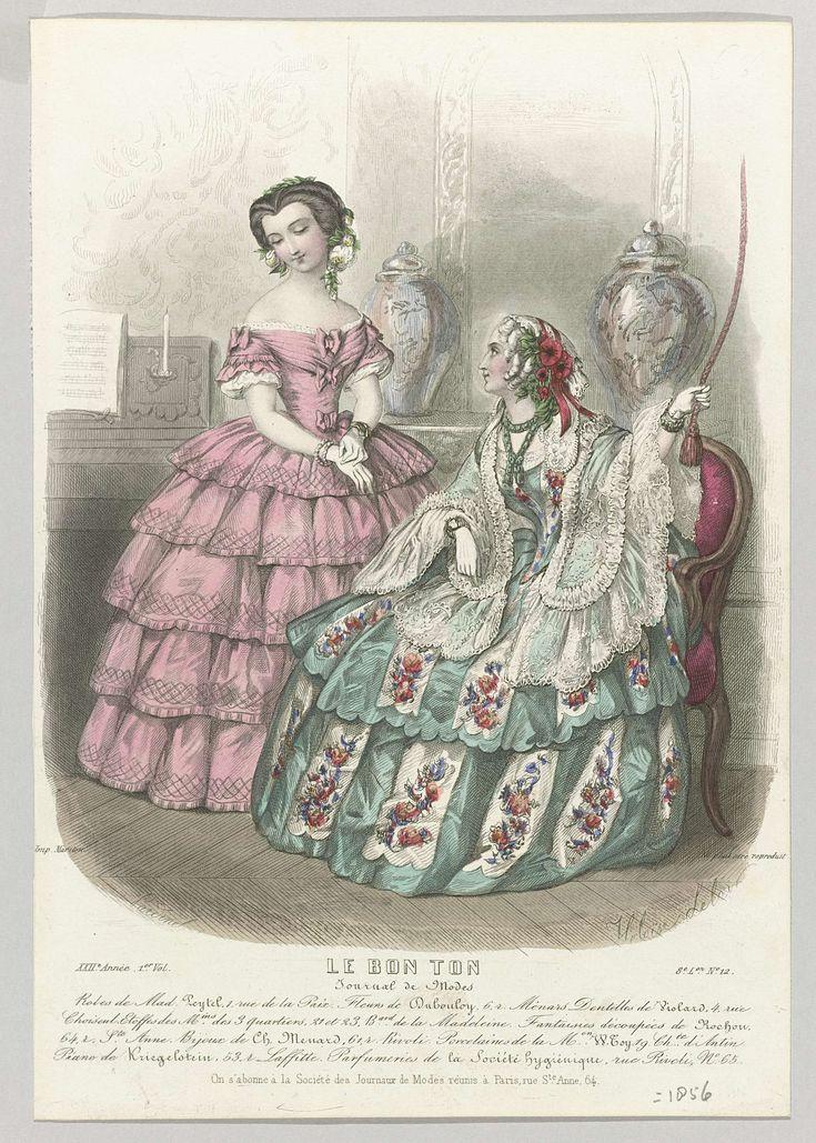 Pardinel | Le Bon Ton, 1856, 22e année, 1e Vol, 8e L.on, No. 12 : Robes de Mad. Peytel..., Pardinel, Mariton, 1856 | Twee vrouwen in een interieur, van wie één aan een schellekoord trekt. Op de achtergrond een piano en twee porseleinen vazen. Links: roze japon met boothals, korte mouwen en wijde strokenrok met ruitmotief. Lijfje versierd met strikken. Rechts: doorzichtige schoudermantel op een groen/witte japon met bloemmotief. Puntig lijfje en wijde rok bestaande uit twee lagen met…