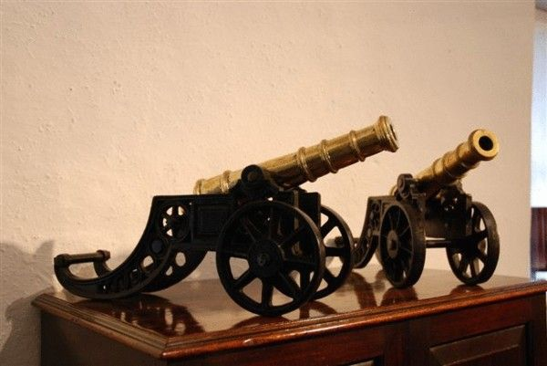 A Pair of mid-19th Century model cannons - Art and Antiques - Online Galleries Extranet