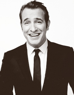 I almost forgot how adorably contagious Jean Dujardin's smile is! When I was watching The Monuments Men I couldn't help but smile every time he did :)