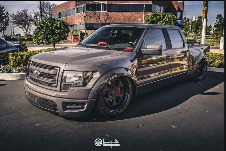 Bagged F150 w/ Raptor bedsides, front fenders and bumper ...