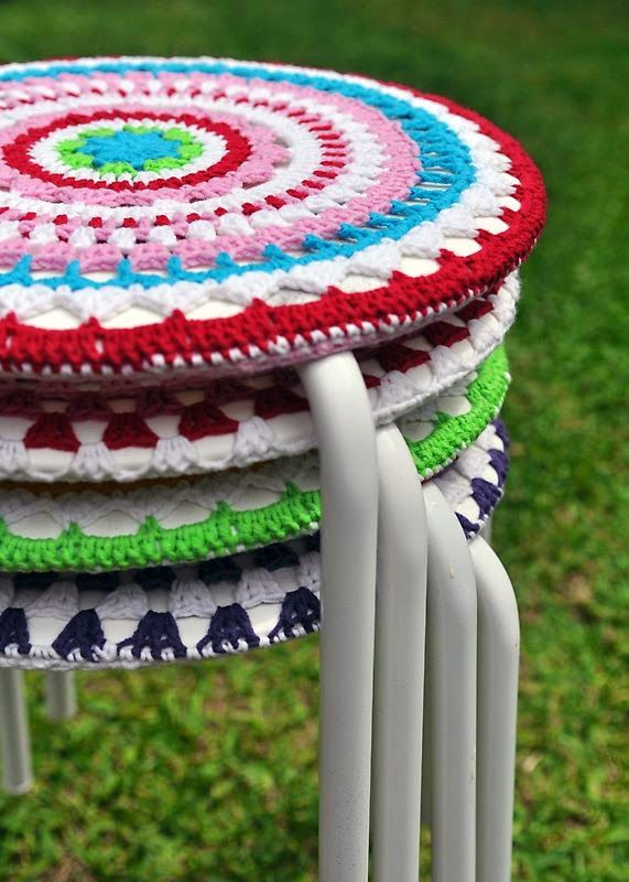 Stool Cover ~ 10 Free Crochet Patterns