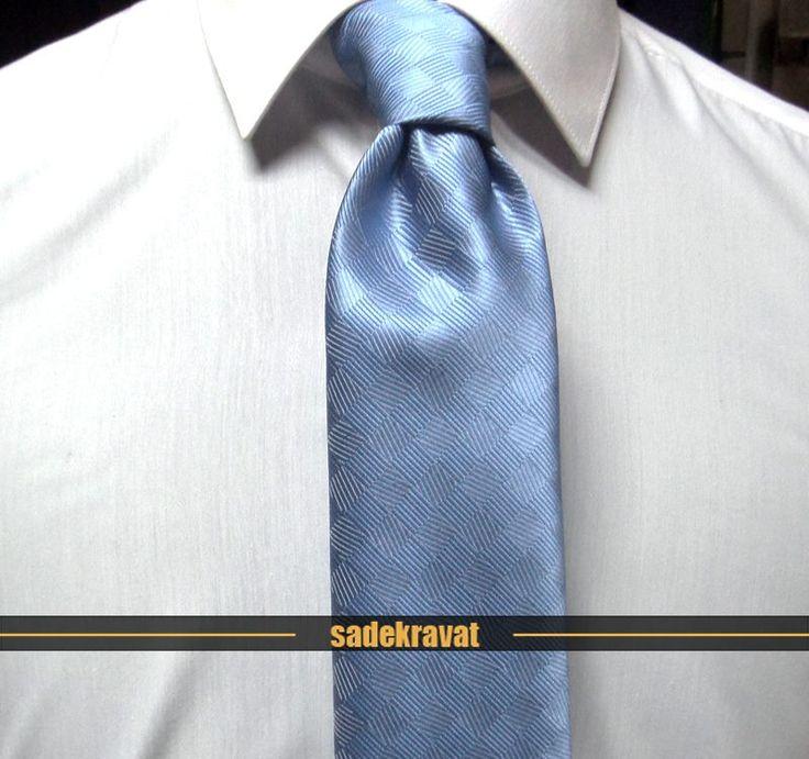 Mavi Kareli Sade Kravat 5395 Mavi Kareli Sade Kravat 7,5 cm. Modern Orta Stil, Mikro Kumaş www.sadekravat.com/mavi-kareli-sade-kravat-5395  #kravat #mavi #kravatlar #kravatmodelleri #sadekravat #tie #necktie #pocketsquare    #ipek #kravat #sadekravat #kahverengi #silk #kravatlar #kravatmodelleri #ipekkravat #tie #tieofday #pocketsquare #kravatmendili #kombin #mendil #yunkravat #ketenkravat