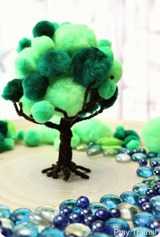 Drzewko z wyciorków i pomponów