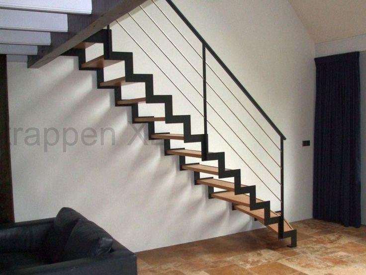 #Open_designtrap voorzien van een transparant traphek. #Gebogen_trap
