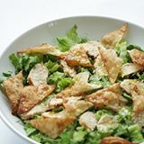 Chicken. Wonton. Salad. Guys! This salad is SO good, and I don't even really like salads. Can someone please tell me how after eating for 15 minutes, no matter what salad I'm eating, it looks like I haven't even made a dent?! Can anyone else relate?! Regardless THIS salad is worth chewing on for 30 minutes... 😂😂😂Recipe on the blog now! Link in profile.🥗🥗🥗🥗🥗🥗 #nomnomnom #eat #food #recipe #eeeeeats #f52grams #feedfeed #foodshare #feed #foodblogger #buzzfeedfood #foodspotting…