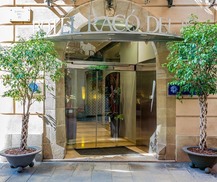 Entrada principal del hotel #h10 #h10hotels #h10racodelpi #hotelbarcelona