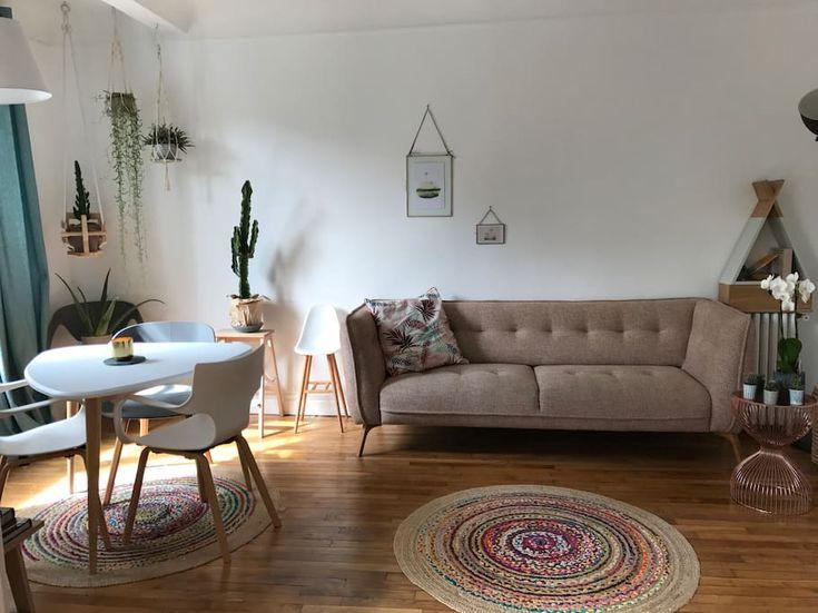 Bel appartement type Haussmanien ! Très lumineux - Apartments for Rent in Paris, Île-de-France, France