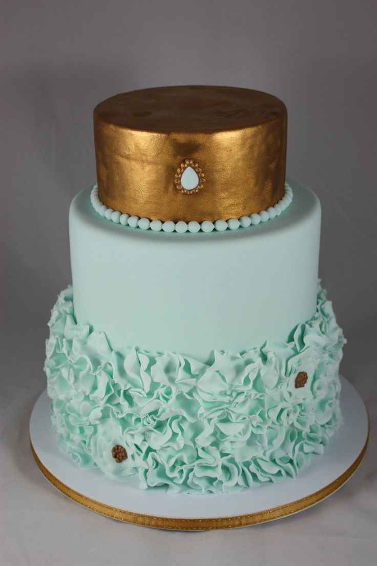 Mint & Gold- all fondant and painted with gold edible paintMint Wedding, Mint Green, Gold Weddings, Edible Painting, Gold Cake, Gold Wedding Cakes, Gold Edible, Engagement Cake, Eating Cake