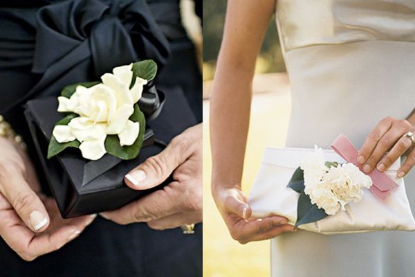 For the mother of bride/groom and even grandmas....Pin-On-Clutch-Wedding-Flowers