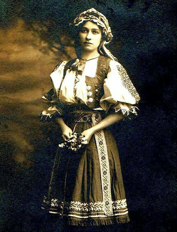 Slovak woman who immigrated to Chicago