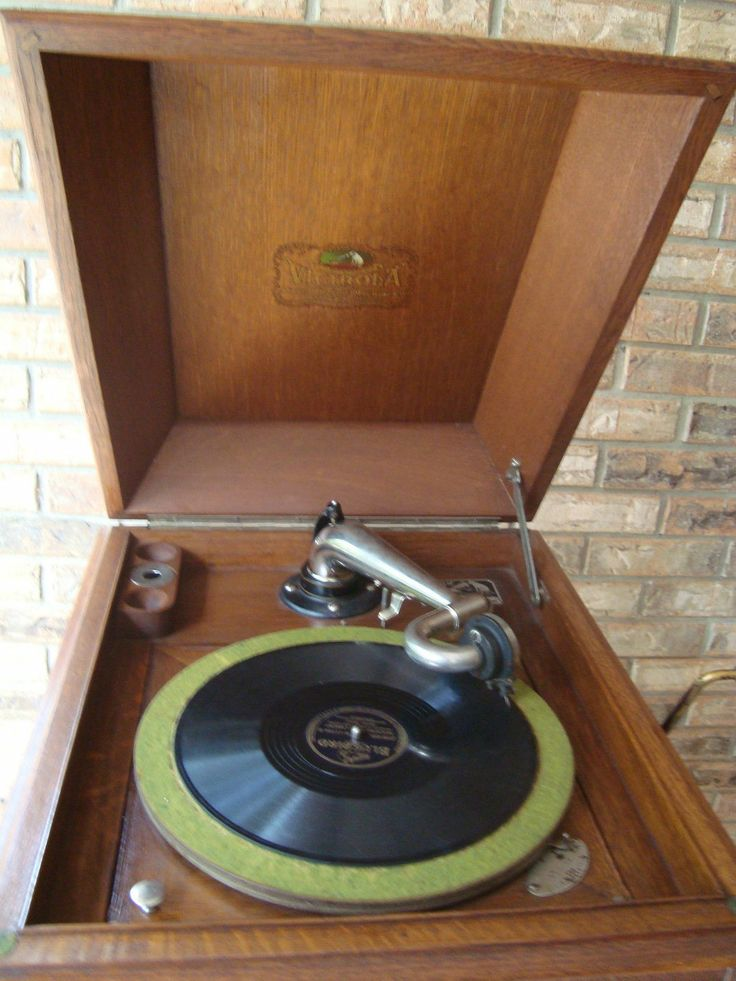 96 best Victrolas images on Pinterest | Phonograph, Music and ...