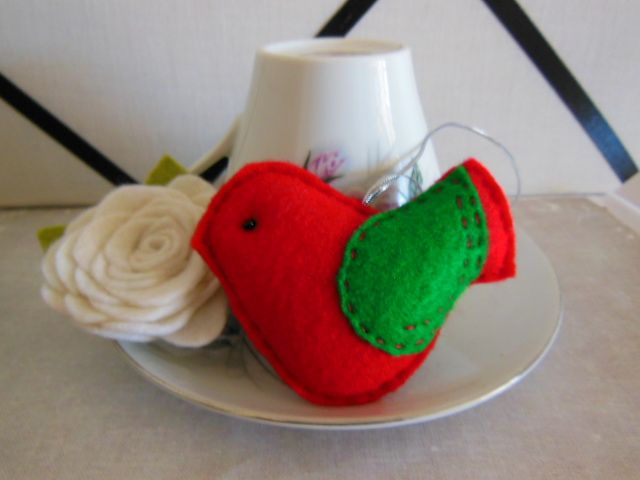 Bright Red Felt Bird Dec