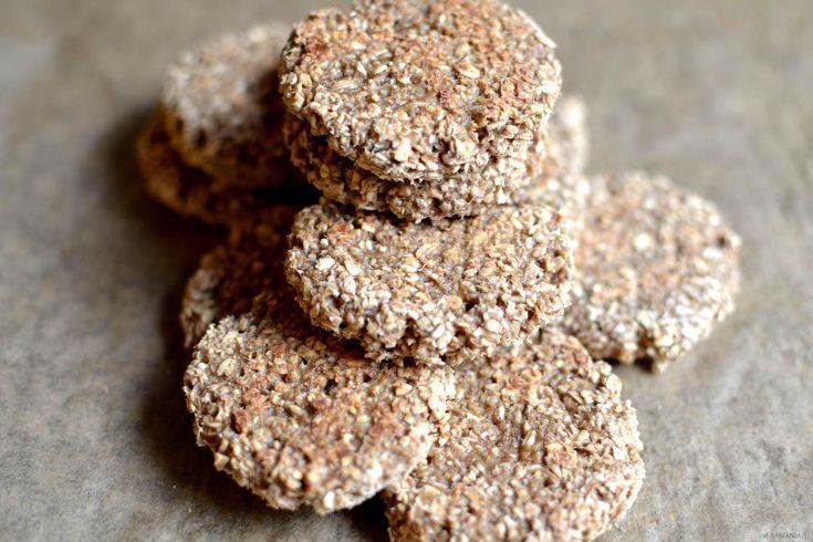 Oto kryzysowe ciastka owsiane z dwóch składników w 20 minut. Bez cukru, mąki i tłuszczu, czyli idealne słodycze dla odchudzających się i dbających o linię. Zdrowa przekąska do pracy albo do szkoły dla dzieciaków. Możecie je wzbogacić dodatkowo o rodzynki, żurawinę, zmielone daktyle, orzechy, cynamon albo imbir. Wykonanie: Banany miksuję w blenderze na mus. Dodaję […]