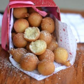 15 minute African doughnut- crunchy on the outside and pillowy soft on the inside. Packed with flavor