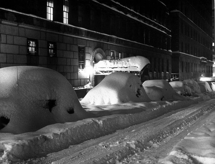 http://time.com/3593070/snow-blizzard-of-1947-photos-of-new-york/