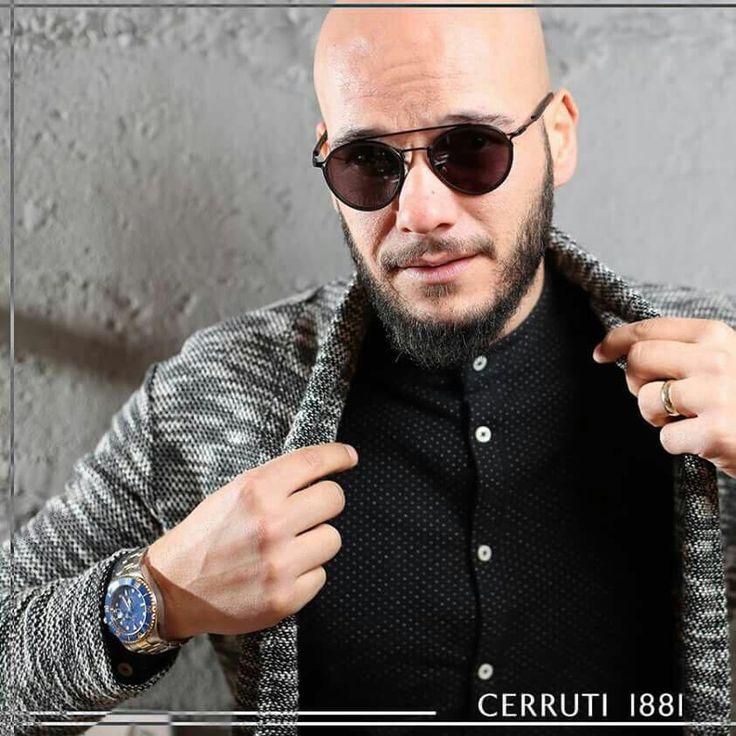 Klasik çizgileri ile lükse farklı bir bakış açısı getiren Cerruti Eyewear, elegance tasarımları ile fark yaratmaya devam ediyor 👀 Brings a different perspective to luxury with classic lines Cerruti Eyewear continues to make a 👀 #newseasons #international #cerruti1881 #brand #cerrutieyewear #italy #nyc #nycfashion #cerruti1881