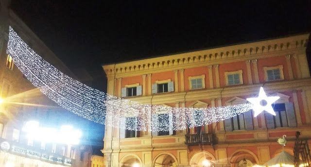 Frammenti di storia cremonese: Buone Feste da Piazzetta dei Mercanti a Piacenza
