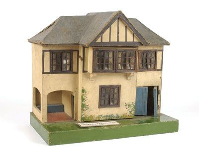 Triangtois Dolls House No.76, 1920-1926, Hinged At Front