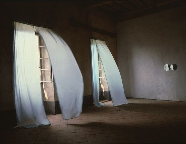 Felix Gonzalez-Torres, Untitled (Loverboy) (1989)