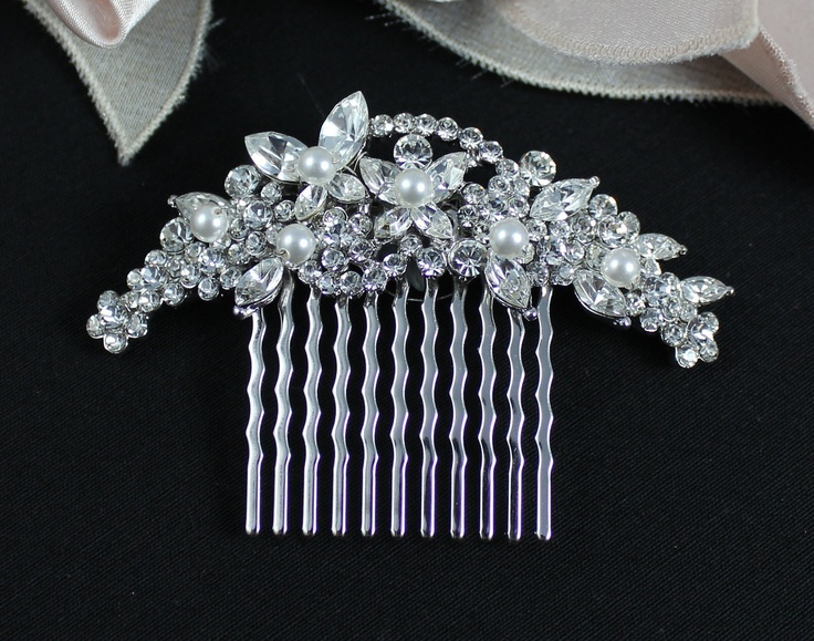 Crystal Bridal Hair comb Wedding Hair Accessories by JamJewels1, via Etsy.: Crystals Bridal, Hair Comb Wedding, Hair Pieces, Bridal Combs, Wedding Hair Clip, Wedding Hairs, Wedding Hair Accessories, Bridal Hair Combs, Hair Combs Wedding