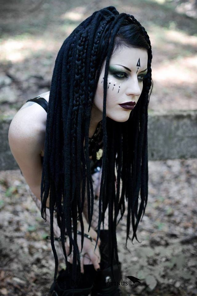 Model, styling, photo Magda Corvinus Assistant: C. Ioan Welcome to Gothic and Amazing |www.gothicandamazing.com
