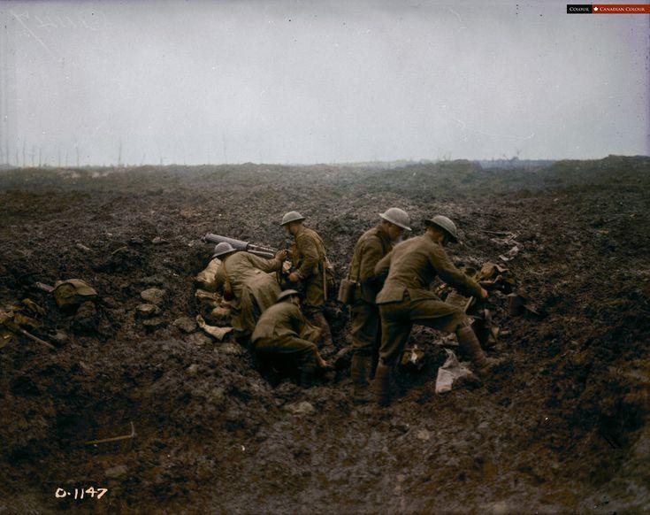Canadian machine gunners at Vimy Ridge - April, 1917 - Canadian Colour