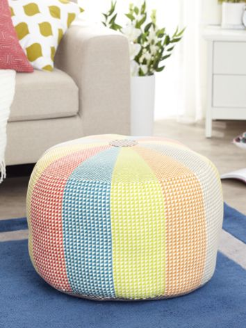 Simple Pinwheel Ottoman - free pattern @ Spotlight