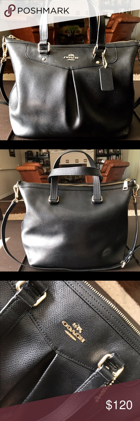 Authentic COACH Tote Bag COACH Tote Bag with adjustable/removable strap. Coach Bags Totes