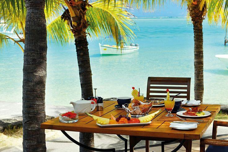 Breakfast with a view  Love this spot at Paradis Hotel....Happy #weekend   #Paradis #paradise #mauritius #islandlife #islandholiday #LuxuryTravel #luxuryhotel #Breakfast #oceanview #instamoment #instapasport #hotelsandresorts #breakfastwithaview #golfhotel
