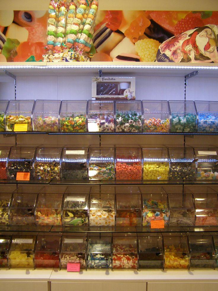 11 best #arredamento #negozi di #dolciumi e articoli da #regalo ... - Arredamento Negozio Abbigliamento Yahoo