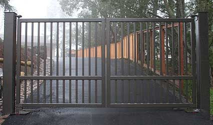 Gate # 178 - Wide Frame Flat Top With Extra Large Posts. http://sculpturalgates.com/gates8.html Gatedepot.com