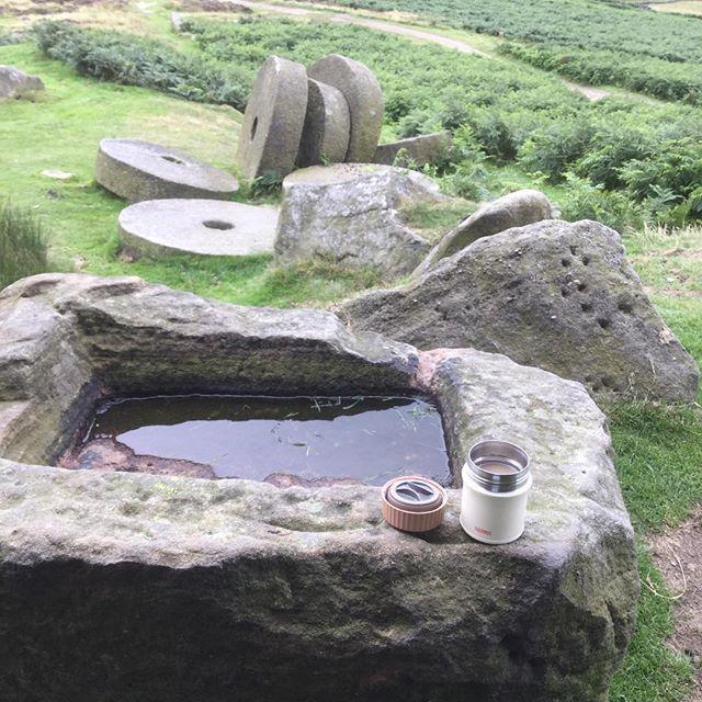 Age old trough and millstones under #stanageedge #peakdistrict #peaknationalpark #millstones #stonetrough #hathersage