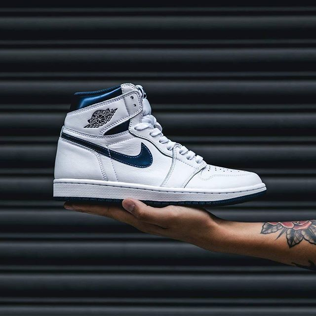 #hypefeet: will you be copping the Air Jordan 1 Retro High OG 'Metallic