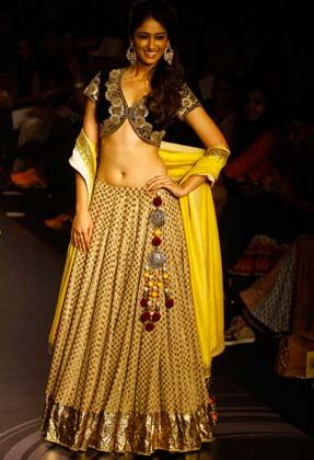 Ileana D'Cruz in a beautiful Lehenga - Ghagra & Blouse by Vikram Phadnis @ Lakme Fashion Week Summer - Resort, 2013, Mumbai, http://www.vikramphadnis.com/ ~