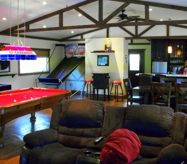 Recreation Room Design Ideas: Best 25+ Family Game Rooms Ideas On Pinterest