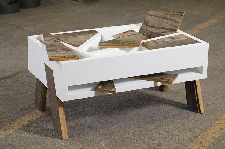 Nihil Estudio crea una colección de mobiliario que combina madera recuperada, krion y cuero