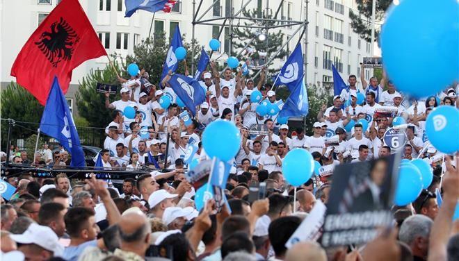 [Τα Νέα]: Αλβανία: Προβάδισμα των Σοσιαλιστών του Ράμα δίνει το πρώτο exit poll | http://www.multi-news.gr/ta-nea-alvania-provadisma-ton-sosialiston-tou-rama-dini-proto-exit-poll/?utm_source=PN&utm_medium=multi-news.gr&utm_campaign=Socializr-multi-news
