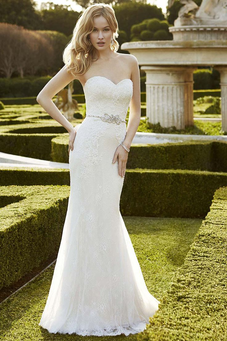 Beautiful Trumpet Mermaid Sweetheart Court Train Satin Fabric Beach Wedding Dresses With Appliques Style