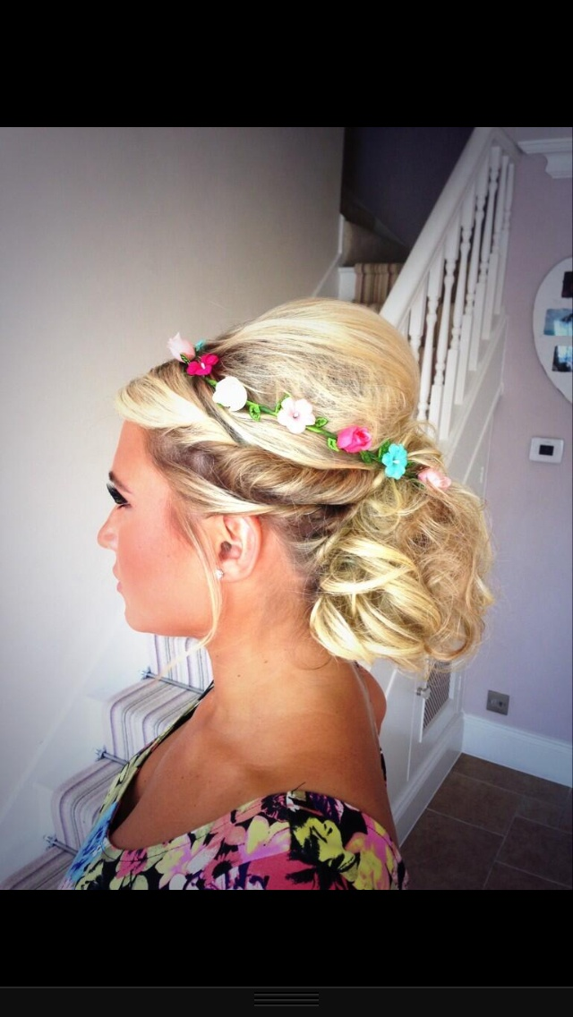 Gorgeous hairstyle Billie Faiers